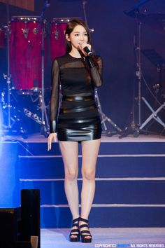 Davichi MInKyung Korean Women, South Korean Girls, Kpop Girl Groups, Kpop Girls, Vynil, Petite Women, Stage Outfits, Beautiful Asian Women, Girls Jeans