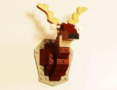 David Cole has created an animal friendly alternative to taxidermy deer heads using LEGO blocks!