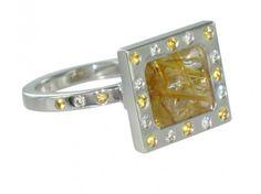 Bague Héra or blanc Quartz rutilé saphirs jaunes et diamant 3 Quartz Rutile, Quartz Crystal, Quartz Jewelry, Crystals, White Gold, Ring, Diamond, Crystal, Crystals Minerals