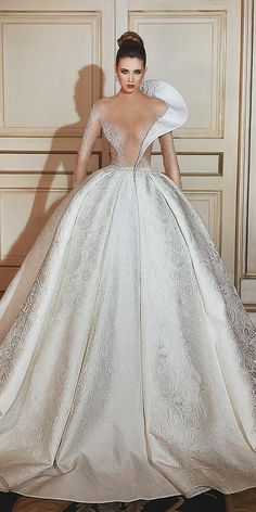 Luxury Arabic Ball Gown Wedding Dress Long Sleeve With Large Beaded Ap – LiveTrendsX Top Wedding Dresses, Stunning Wedding Dresses, Classic Wedding Dress, Wedding Dress Trends, Bridal Dresses, Ball Dresses, Ball Gowns, Barbie Mode, Dresses Elegant