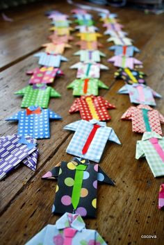 shirt and tie SO AWESOME! Origami shirt and tie garland for Father's Day. Origami shirt and tie garland for Father's Day. Origami Shirt, Origami Dress, Origami Paper, Oragami, Fun Crafts, Diy And Crafts, Crafts For Kids, Arts And Crafts, Paper Crafts