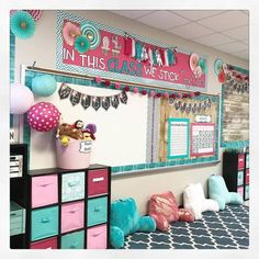 My classroom! (Tap for tags) Had to repost from last year, since the goal is to recreate this in 4 days total lol and add cute cacti 💕🌵 . Elementary Classroom Themes, Classroom Decor Themes, 4th Grade Classroom, New Classroom, Classroom Setting, Kindergarten Classroom, Classroom Organization, Teacher Organisation, Classroom Color Scheme
