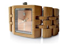Reveal Bamboo Watch: Cool Material
