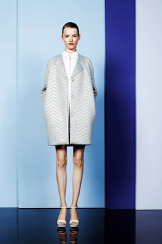 Cacharel Parigi - Spring Summer 2014 Ready-To-Wear - Shows - Vogue. Live Fashion, Fashion Show, Fashion Design, Woman Fashion, Spring 2014, Spring Summer, Summer 2014, Cool Coats, Textiles