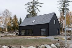 Building A House Architecture Design Black House Exterior, Interior Exterior, Exterior Design, Construction Chalet, Building Design, Building A House, Modern Barn House, Casas Containers, Long House