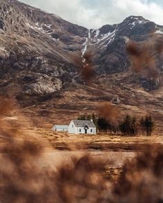 The Ultimate 1 Week Scottish Highlands Itinerary - Live Like It's the Weekend Scotland Vacation, Scotland Road Trip, Scotland Travel, Scotland Castles, Scottish Castles, Skye Scotland, Inverness Scotland, Highlands Scotland, Inverness Castle