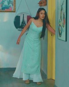 Party Wear Indian Dresses, Pakistani Dresses Casual, Designer Party Wear Dresses, Indian Gowns Dresses, Indian Bridal Outfits, Kurti Designs Party Wear, Dress Indian Style, Indian Designer Outfits, Indian Dresses For Women