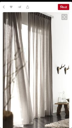 Haal het vakantiegevoel in huis met luchtige gordijnen Bring the holiday feeling into your home with airy curtains – Roomed Home Curtains, Curtains Living, Window Drapes, Curtains With Blinds, Window Coverings, Blackout Curtains, Double Curtains, Sheer Linen Curtains, Window Treatments