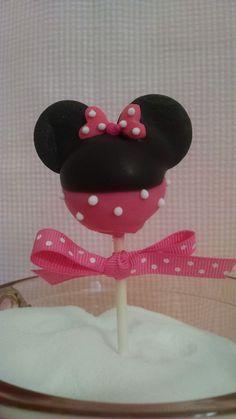 Minnie Mouse cake pop    ~close up~