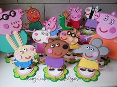 Peppa Pig e Turminha Fiestas Peppa Pig, Cumple Peppa Pig, 4th Birthday Parties, 3rd Birthday, George Pig Party, Peppa Pig Birthday Invitations, Peppa Pig Teddy, Aniversario Peppa Pig, Bernardo