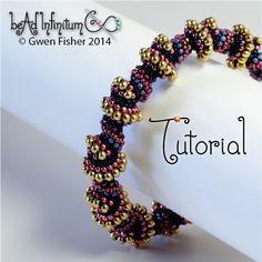 Spiral Peyote Tutorial - http://gwenbeads.blogspot.com/2014/12/replicating-dna-in-beads.html