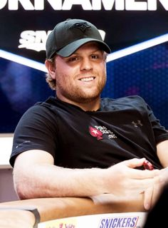 Fuck Yeah the Maple Leafs : Photo Phil Kessel, Hockey Rules, Hockey Baby, Buffalo Sabres, Toronto Blue Jays, Toronto Maple Leafs, Pittsburgh Penguins, Hockey Players, Poker