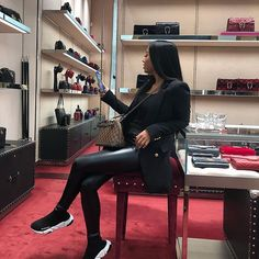 Discovered by Harriët Taylor. Find images and videos on We Heart It - the app to get lost in what you love. Winter Fashion Outfits, Look Fashion, Fall Outfits, Autumn Fashion, Girl Fashion, Mode Outfits, Stylish Outfits, Luxury Lifestyle Fashion, Looks Black