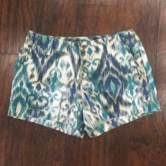 Sonoma Patterned Chino Shorts Great condition!! Only worn 3-4 times. 98% cotton 2% spandex. Button and zipper closure, button pockets on back. Fun colorful pattern for spring and summer! Sonoma Shorts