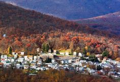 10 Small Towns with Fantastic Fall Color
