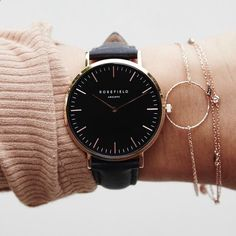 Montre pour femme : Black watch and rose gold accents www.BlamNewsDaily… www. Black Gold Jewelry, Ring Verlobung, Gold Ring, Mode Inspiration, Stainless Steel Bracelet, Fashion Watches, Women's Accessories, Bracelet Watch, Jewelry Watches