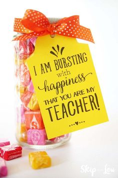 Are you looking for inexpensive teacher appreciation gift ideas? I've rounded up 10 thoughtful, inexpensive teacher appreciation gift ideas to show your child's classroom teacher… Teachers Day Gifts, Daycare Teacher Gifts, Gift For Teacher, Gift Ideas For Teachers, Kindergarten Teacher Gifts, Teacher Presents, Teacher Birthday Gifts, Student Teacher, Valentines Teacher Gift