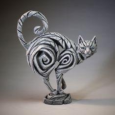 Assuming a halloween pose, Matt Buckley sculpture cat cats gato gatos