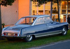 Citroën DS hard top by Chapron Citroen Ds, Psa Peugeot Citroen, French Classic, Classic Cars, Amazing Cars, Old Cars, Vintage Cars, Vintage Auto, Luxury Cars