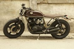 Megaton Demper voor uw Cafe Racer, Klassieker of Oldtimer Motorfiets. Met deze Zwarte Megatons maakt u zeker de blits. Ook leverbaar in Chroom. Korting per 2.