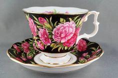 Royal Albert Bouquet Series Carnation