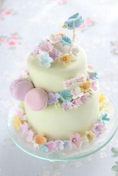小さなケーキ型のリングピローに パステルの花を沢山アレンジしました  クレイアートケーキ  株式会社ウェディングファクトリー http://clayartwedding.net/ http://www.weddingpartyfactory.com/