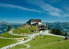 The Hahnenkamm race has been taking place on the Kitzbuhel. Jumps up to decline slopes, and speeds up to 140 km/h is what racers can expect. Weekend Deals, See It, Washington Dc, Austria, Travel Guide, Golf Courses, Racing, Places, Auto Racing