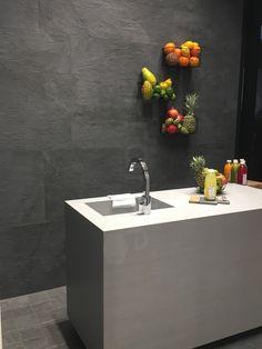 Fliesen In Schieferoptik An Der Küchenwand Auf Anfrage Bei Uns #Küchewand  #Fliese #Schieferoptik