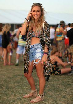 Coachella 2014: Festival Street Style. Rocking the ripped denim