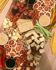 Mini Tapaditos: receta de pan e ideas para rellenarlos – Cherrytomate Queso Camembert, Queso Fresco, Tapas Bar, Relleno, Quinoa, Ideas Para, Mango, Cheese, Molde