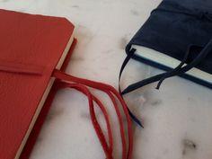 Encuadernación Artesanal Mini notebooks/cuadernos de gamuza Interior de 80 hojas bookcel + señalador by Florence Livres + Regalos Empresariales + Regalos Personalizados