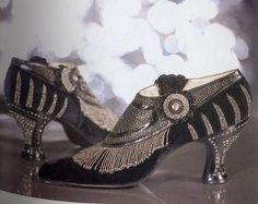 elarogers:    Shoes of 1925. Via lovelybouquet.tumblr.com