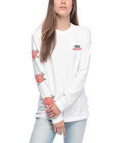 Get a classic style with the Red Rose white long sleeve t-shirt from Vans. This white cotton long sleeve tee features a screen printed Vans text and checkerboard graphic on the left chest while the right sleeve shows red roses for a floral kick. Create a