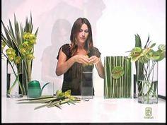 How to Make Submerged Flower Arrangements Floral designer, Jennifer McGarigle, shows you how to. Deco Floral, Arte Floral, Floral Design, Flower Video, Flower Show, Glass Flowers, Diy Flowers, Ikebana, Modern Flower Arrangements