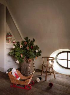 10 idee per decorare la zona notte per Natale Zara Home Christmas, Classy Christmas, Small Christmas Trees, Christmas Interiors, Cozy Christmas, A Christmas Story, Christmas Lights, Christmas Feeling, Christmas Shopping