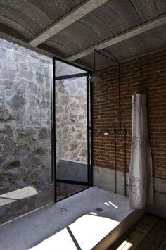 Materka House—T3arc.  #bathroom