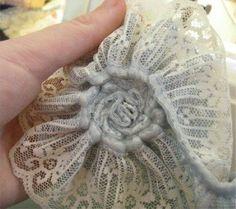 Tutorial per realizzare un bellissimo fiore con il merletto