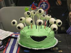 Now this alien birthday cake looks easy enough to make. Love. space birthday party ideas