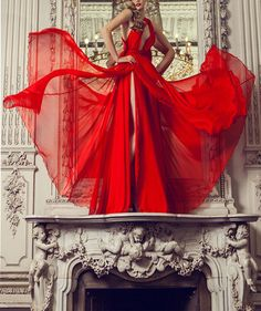 Ideas For Fashion Photography Red Dress Haute Couture Foto Fashion, Red Fashion, High Fashion, Fashion Shoot, Style Fashion, Parisian Fashion, Fashion Clothes, Fashion Models, Spring Fashion