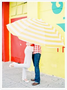 Loving the bright yellow in this engagement shoot!