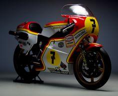 Barry Sheen's GP Suzuki Suzuki Bikes, Suzuki Motorcycle, Motorcycle Art, Racing Motorcycles, Motorcycle Design, Valentino Rossi 46, Japanese Motorcycle, Vintage Bikes, Vintage Racing