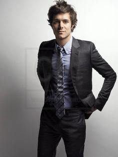 Adam Brody - lookin' quite spiffy in his suit