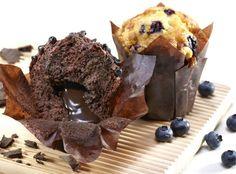 Vláčné muffiny - čokoládový a s borůvkami