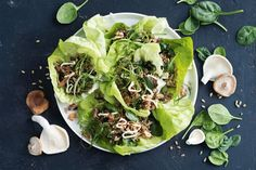 This quick and easy take on traditional san choy bau is a delicious dinner option that is on the table in a flash! Healthy Low Calorie Meals, Low Calorie Recipes, Healthy Cooking, Healthy Eating, Healthy Recipes, Healthy Food, Hcg Recipes, Asian Cooking, Asian Recipes