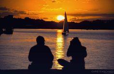 When the sun goes down #rostock #sunset #sundown #warnow #lake #boat #couple #light #evening #redsky #sailboat #sailing #hansestadtrostock #hansestadt #sonnenuntergang #carstenschneephotography #nikon #nikonphotography #nikon_photography #nikonphotographer #nikond70 #sigmalens #sigma #liebespaar #pärchen#beautifullight #schönstestadtderwelt #mecklenburgvorpommern #mv by carsten.schnee.photography