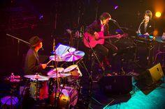 名プロデューサー・木崎賢治が惚れた、和田唱の才能とトライセラトップスの無限の可能性 | 【es】エンタメステーション