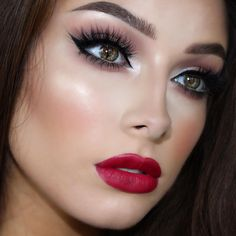 😃 Here's a better quality close up 💋 I am obsessed with these lashes in Scarlett 👀 Eyes - Meet Matt(e) Nude palette. Dope Makeup, Subtle Makeup, Neutral Makeup, Sexy Makeup, Kiss Makeup, Beauty Makeup, Flawless Makeup, Beauty Box, Jessica Rose
