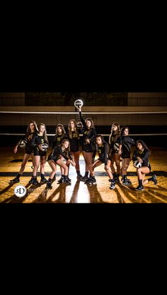 Sport Photography Basketball Volleyball 68 Ideas For 2019 Volleyball Team Pictures, Volleyball Poses, Basketball Pictures, Sports Pictures, Volleyball Facts, Soccer Pics, Volleyball Setter, Volleyball Shorts, Coaching Volleyball