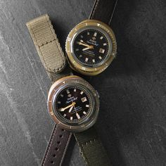 Life is all about choices. Your Super Sea Wolf 68 Bronze edition comes with two straps - brown calfskin leather and olive green nylon velcro strap - Zodiac.