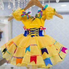 decorado com bandeirinhas Fancy Dress, Dress Up, Dance Costumes Lyrical, Kids Frocks, Girls Dresses, Summer Dresses, Halloween Disfraces, Dress Patterns, Diy And Crafts